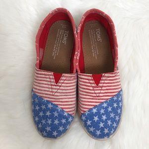 TOMS USA America Shoes 2.5